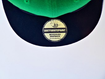 Cannabiene Sticker Cap