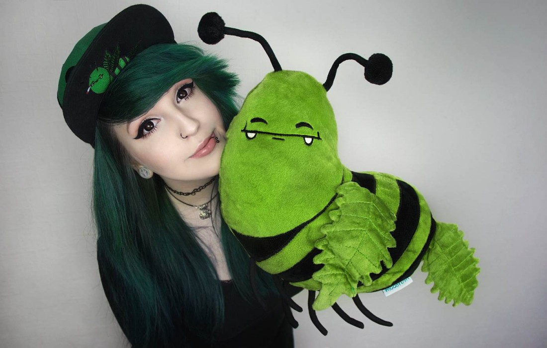 Canna Bee Pillow Scene Girl Cute
