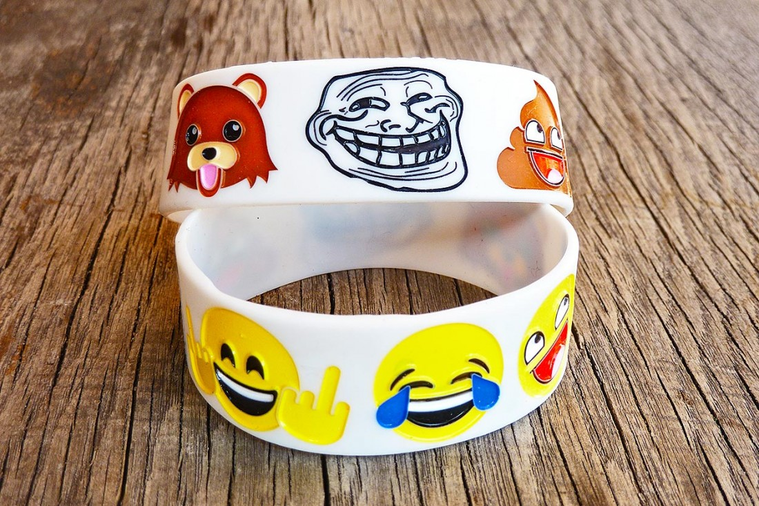 Smiley Armband mit Pedobär Awesome Shit Mittelfinger Smiley Troll Face